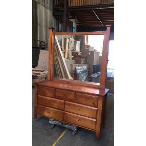 002 DRESSER WITH MIRROR | Wood World Furniture