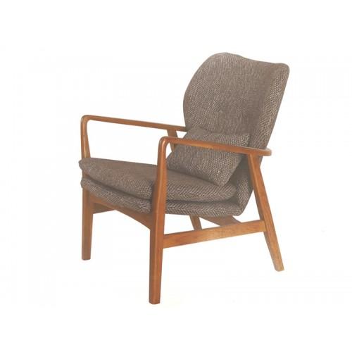 AMERICAN OAK FREDA SINGLE  HARDWOOD ARMCHAIR | Wood World Furniture