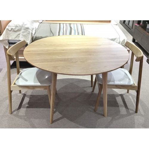 AMERICAN OAK ARVID 1150 ROUND HARDWOOD TABLE SET